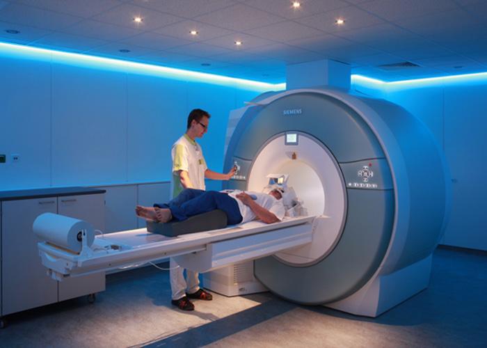 دستگاه MRI