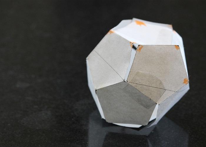 دوازده وجهی کاغذی / Paper Dodecahedron